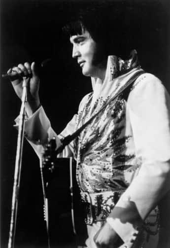 Elvis Presley bei einem Auftritt circa 1975