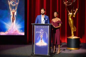 Samira Wiley und Ryan Eggold verkünden die Nominierten der Emmy Awards 2018