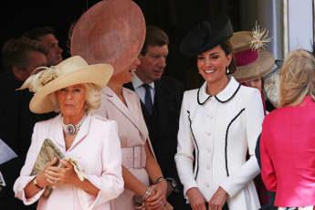 Herzogin Camilla und Herzogin Kate beim Order of the Garter Gottesdienst in der St. George's Chapel auf Schloss Windsor am 17. Juni 2019
