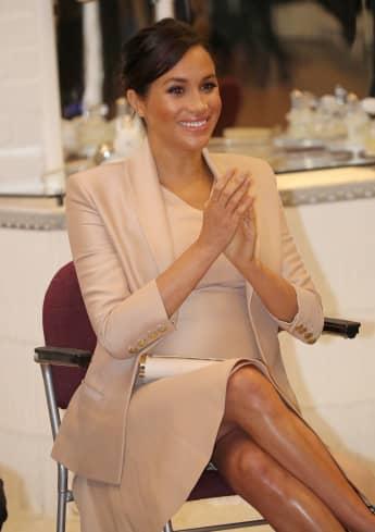 Herzogin Meghan fliegt für ihre Babyparty nach New York