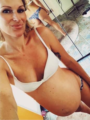 Janni Hönscheid ist hochschwanger