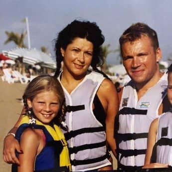 Jenny Frankhauser als Kind mit Mama Iris Klein und Peter Klein