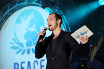 jude law peace one day
