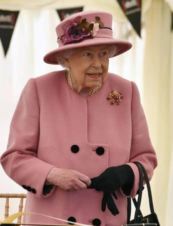 Königin Elisabeth II. schaut in der Weihnachtszeit einen ganz bestimmen Film mit ihren Enkeln