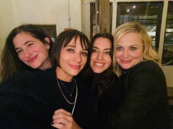 Kathryn Hahn, Rashida Jones, Aubrey Plaza und Amy Poehler Parks and Recreation