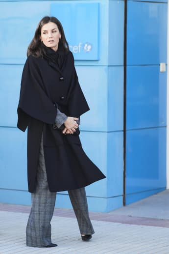 Königin Letizia Mantel Cape Look Outfit