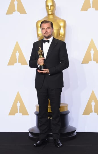 "Leonardo DiCaprio posierend im Presseraum des ""Loews Hollywood Hotel"" 2016"