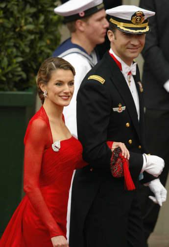 Letizia von Spanien mit Felipe kleid 2004  Hochzeit von Mary und Frederik in Kopenhagen