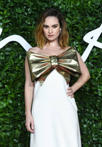 "Lily James bei den ""Fashion Awards"" in London 2019"