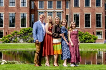 Königin Máxima mit ihrem Mann Willem-Alexander und ihren Töchtern Amalia, Alexia und Ariane