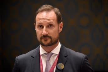 Prinz Haakon wurde am 4. März am Ohr operiert