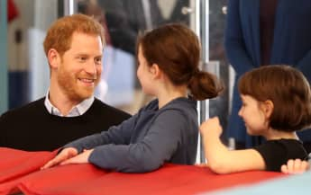 "Prinz Harry mit zwei Kindern beim ""fit and fed""-Programm in London"