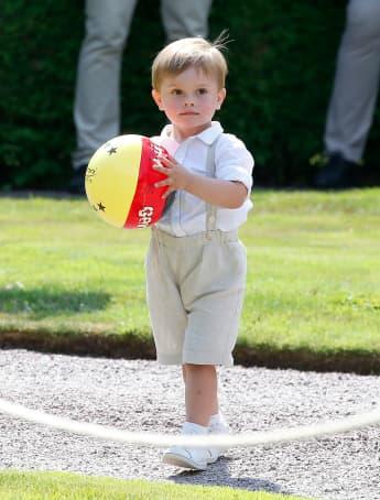 Prinz Oscar drei Jahre Geburtstag Schweden
