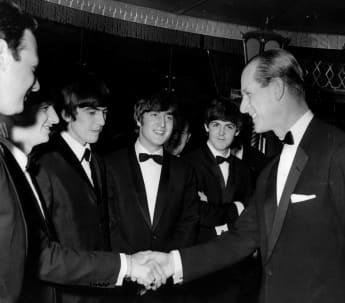Prinz Philip und The Beatles bei den Carl Alan Awards am 24. März 1964