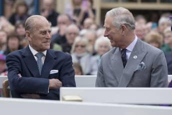 Prinz Philip und Prinz Charles bei einem Besuch in Poundbury am 27. Oktober 2016