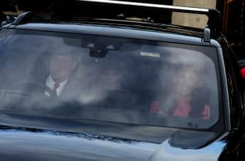Prinz William, Herzogin Kate und Prinz George auf dem Weg zum vorweihnachtlichen Dinner bei Königin Elisabeth II.