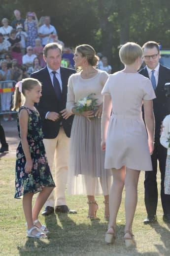 Prinzessin Madeleine strahlte ihren Ehemann Chris O'Neill Victoriatag ganz verliebt an