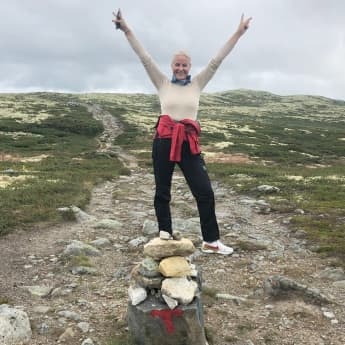 Prinzessin Mette-Marit von Norwegen zeigt sich glücklich beim Wandern
