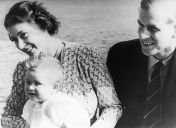Prinz Philip mit dem kleinen Prinz Charles