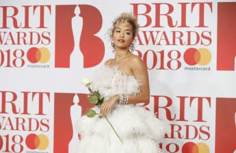Sängerin Rita Ora bei den BRIT Awards 2018