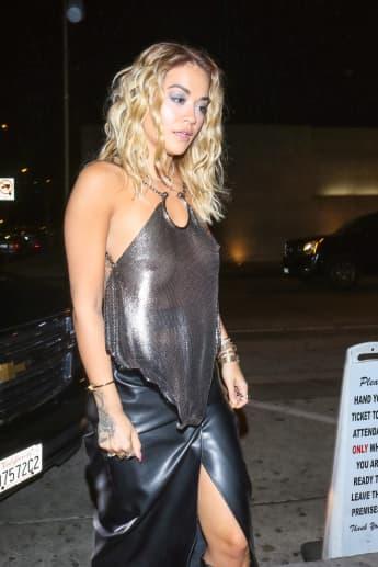 Rita Ora zeigt sich sexy im transparenten Top