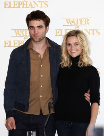 Robert Pattinson und Reese Witherspoon