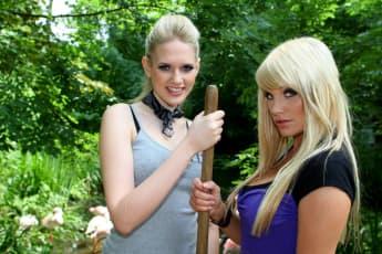 Sarah Knappik und Gina-Lisa Lohfink im Jahr 2008