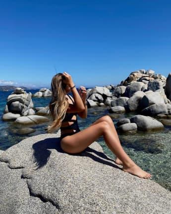 Shania Geiss im Badeanzug, Die Geissens