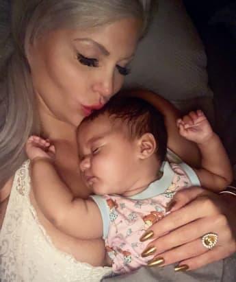 Sophia Vegas und Tochter Amanda auf Instagram