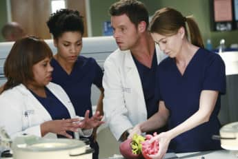 Greys Anatomy Chandra Wilson Kelly McCreary Justin Chambers Ellen Pompeo