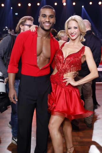 """Tijan Njie mit Kathrin Menzinger bei der Kennenlern-Show der 13. Staffel der RTL-Tanzshow """"Let's Dance"""""""