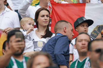 Toni Kroos' Familie: Frau Jessica, Töchterchen Amelie und Sohn Leon