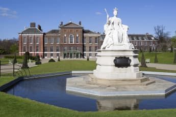 Kensington Palast; Royals