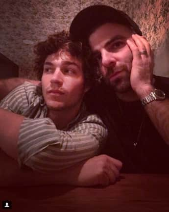 Zachary Quinto Miles McMillan Paar Homosexuell Schauspieler Maler Model super glücklich Instagram