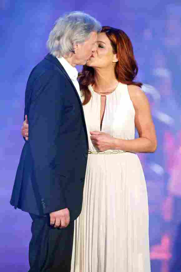 Schlager-Ikone Andrea Berg küsst ihren Uli