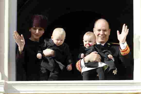 Fürstin Charlène, Fürst Albert und die Zwillinge Jacques und Gabriella