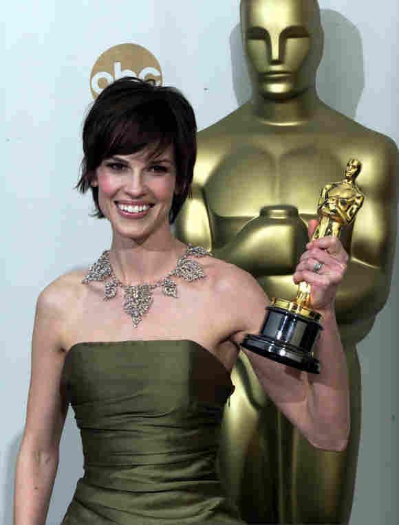 """Hilary Swank gewann mit 25 Jahren einen Oscar für ihre Hauptrolle im Film """"Boys Don't Cry"""""""