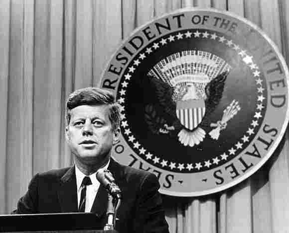 John F. Kennedy war der 35. Präsident der USA er wurde erschossen Attentäter