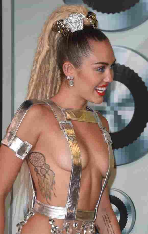 Miley Cyrus bei den VMAs 2015