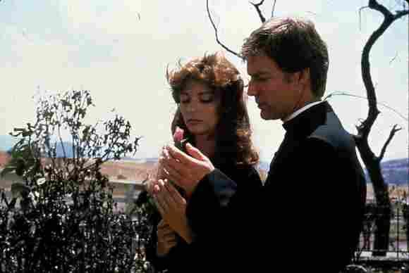 """Rachel Ward und Richard Chamberlain im Jahr 1983 in """"Die Dornenvögel"""""""