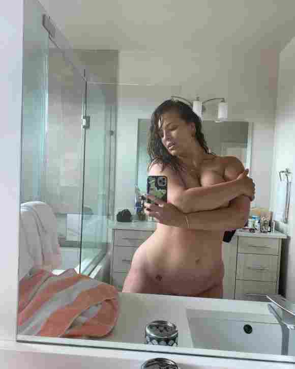 Model Ashley Graham zeigt sich hüllenlos