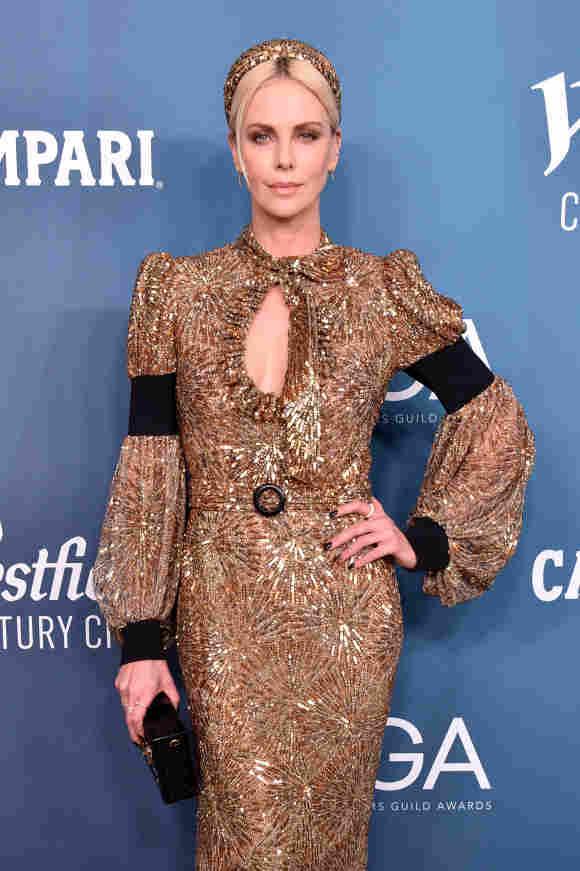 Charlize Theron nimmt am 28. Januar 2020 an den 22. CDGA (Costume Designers Guild Awards) im Beverly Hilton Hotel teil