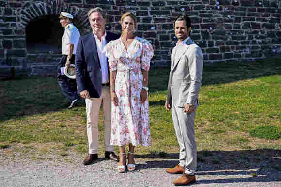 Chris O'Neill, Prinzessin Madeleine und Prinz Carl Philip am Geburtstag von Prinzessin Victoria am 14. Juli 2021