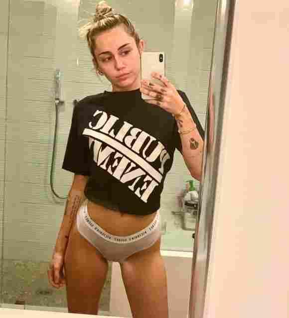 Miley Cyrus in Unterwäsche