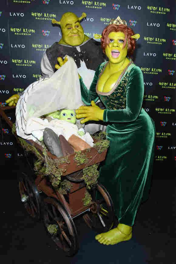 """Heidi Klum und Tom Kaulitz als Prinzessin Fiona und Shrek aus """"Shrek"""" an Halloween 2018"""