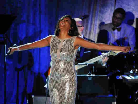 Whitney Houston bei den Grammy Awards 2011