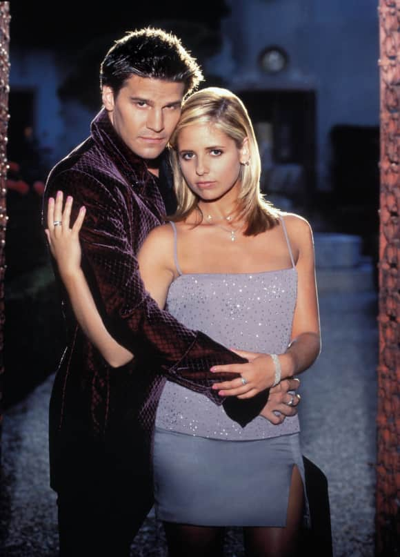 "David Boreanaz and Sarah Michelle Gellar in ""Buffy"""