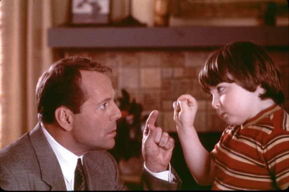 Spencer Breslin stand 2000 gemeinsam mit Bruce Willis vor der Kamera
