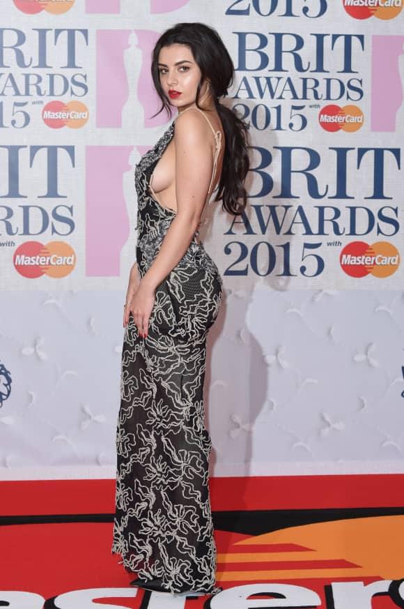Charli XCX bei den Brit Awards