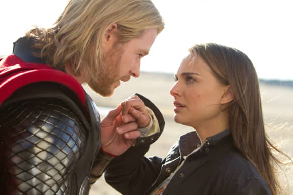 "Chris Hemsworth und Natalie Portman in ""Thor"""
